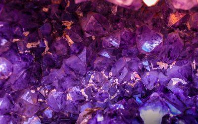 La science derrière la guérison avec les pierres et les cristaux
