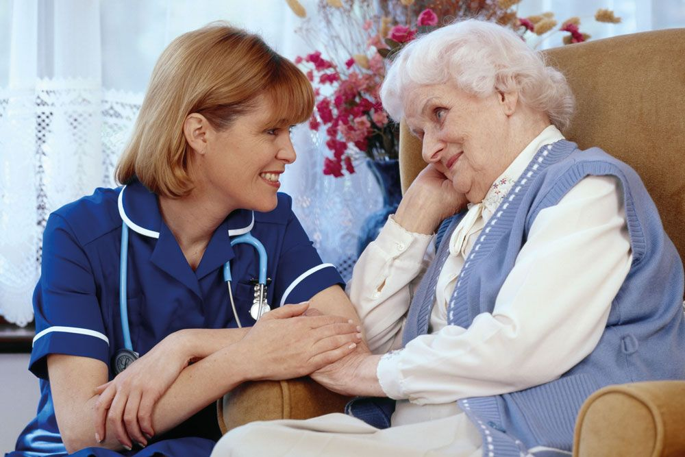 Comment trouver la bonne infirmière pour vos soins à domicile ?