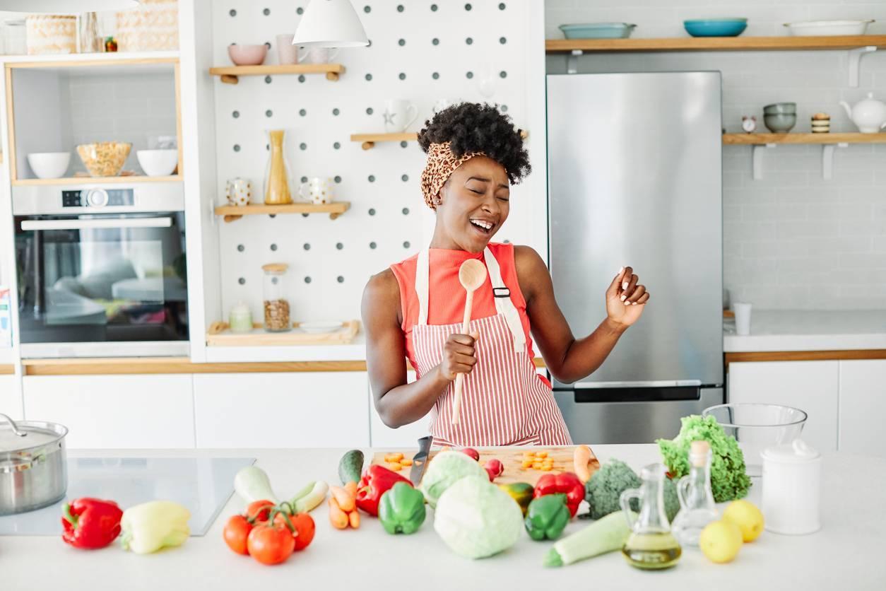 femme santé alimentation équilibrée